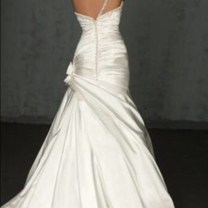 Allure bridals 8750 Wedding dress